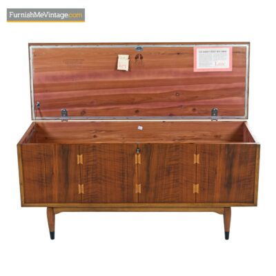lane acclaim locking cedar chest
