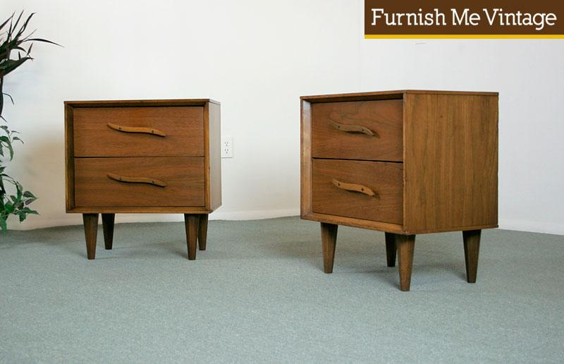 Pair Of Mid Century Modern Nightstands With Drawers