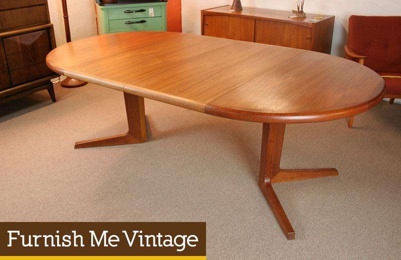 Danish Modern Teak Oval Or Circle Dining Table