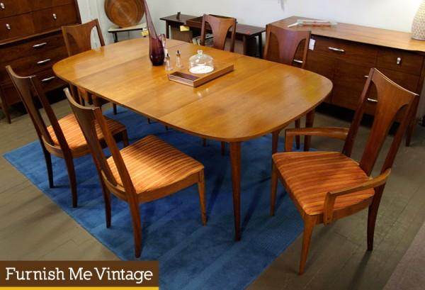Mid Century Modern Broyhill Sculptra Dining Table