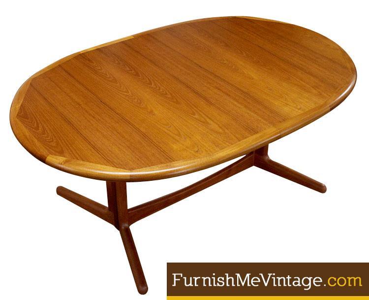 Gentil Danish Teak Oval Dining Table