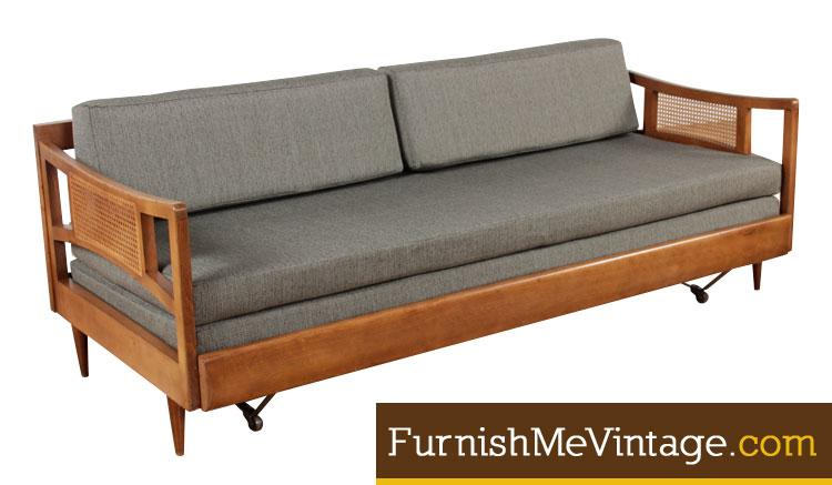 Fantastic Restored Vintage 1950S Sofa With Trundle Bed Beatyapartments Chair Design Images Beatyapartmentscom