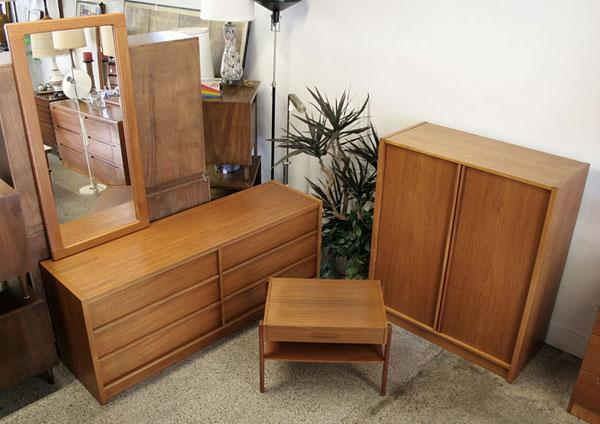 Danish Modern Teak Bedroom Set Mint Condition