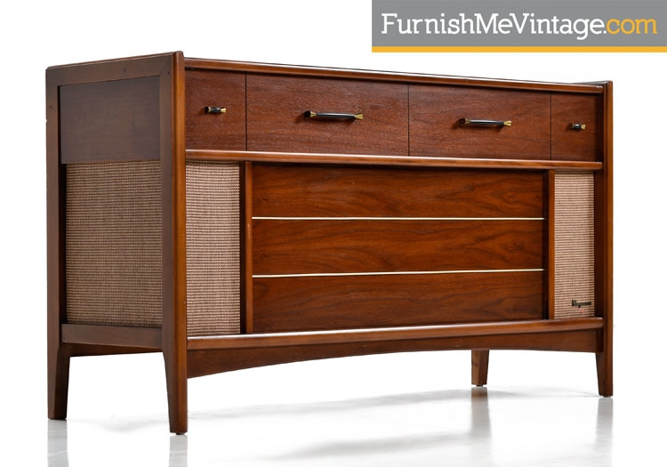 Magnavox Tubed Console Stereo Turntable with AM/FM