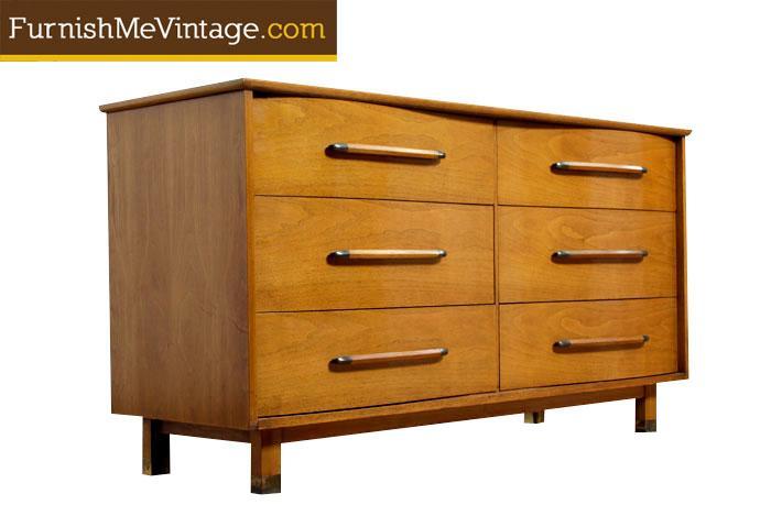 Mid Century Modern Henredon Dresser