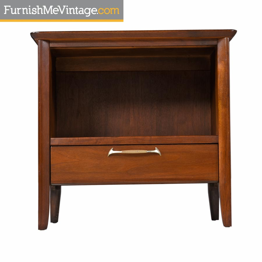 Pair Of Restored Mid Century Drexel U201cModernu201d Walnut Nightstands
