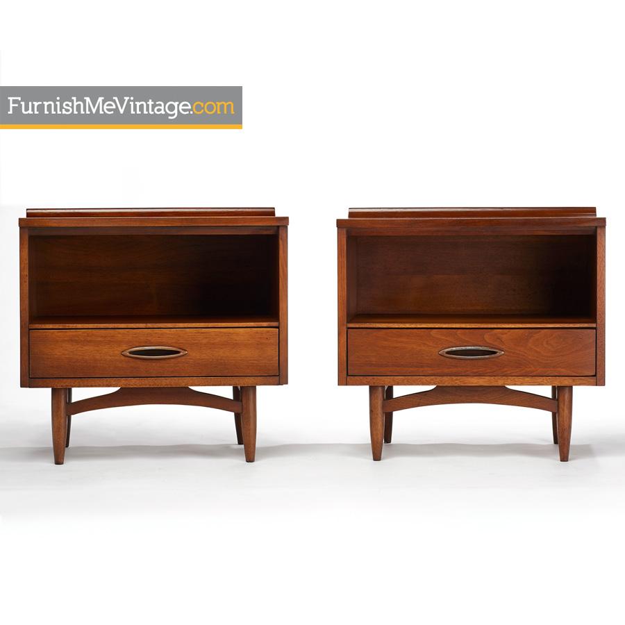 Broyhill,premier,sculptra,nightstands,bedside Tables,walnut,modern,