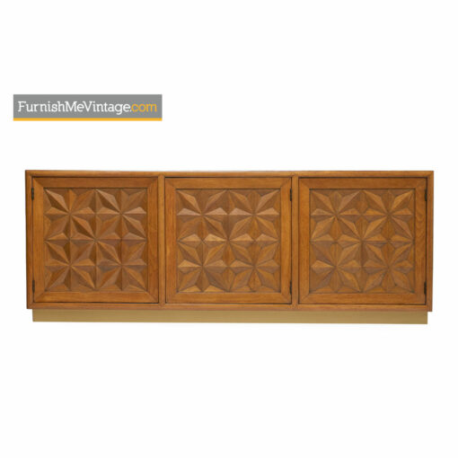 Henredon Credenza - Hollywood Regency Carved Diamond Front Panels