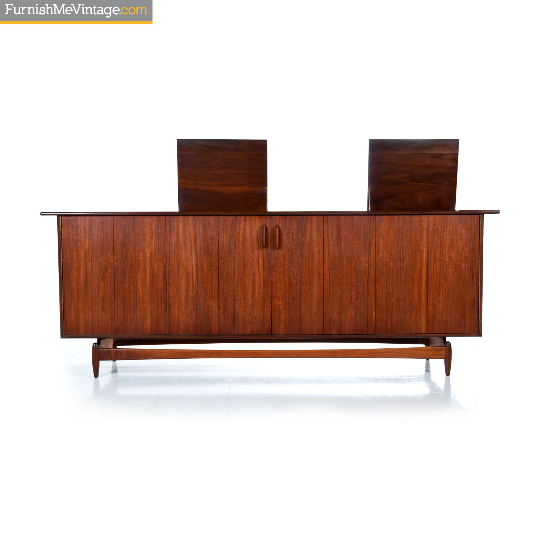 Picture of: Jens Risom Style Mid Century Modern Walnut Hi Fi Cabinet Media Credenza