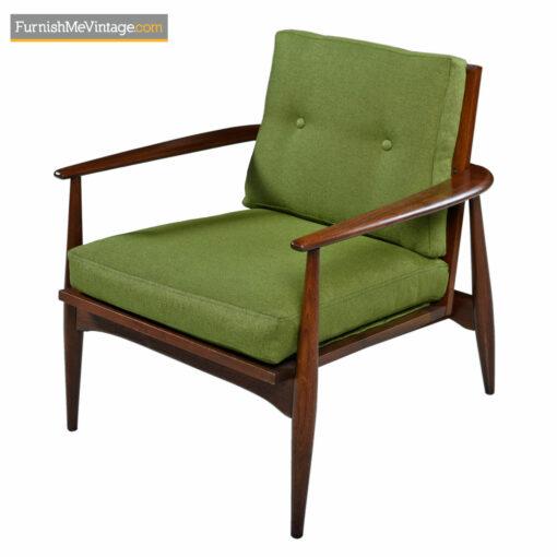 dux wegner bow back lounge chairs
