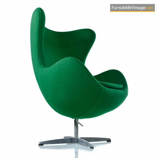 Arne Jacobsen egg chair green