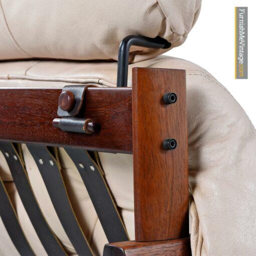 MP 041 lafer headrest lounge chair