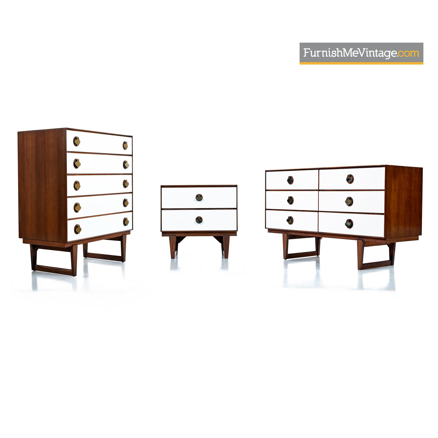 Mid Century Modern Bedroom Set By Stanley With Brass Spade Pulls,Small Back Porch Ideas