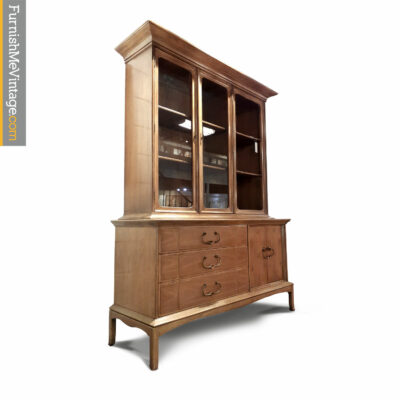 thomasville horizon china cabinet
