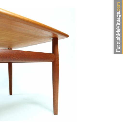 Grete Jalk Glostrup Mobelfabrik. Vintage Danish teak end table