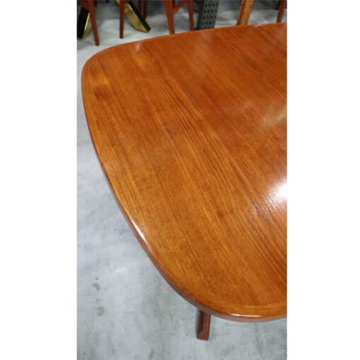 Expanding Danish teak dining table by Gudme Mobelfabrik
