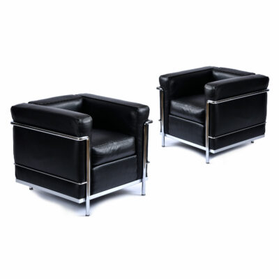 Two LC2 chairs by LeCorbusier for Atelier International Cassina